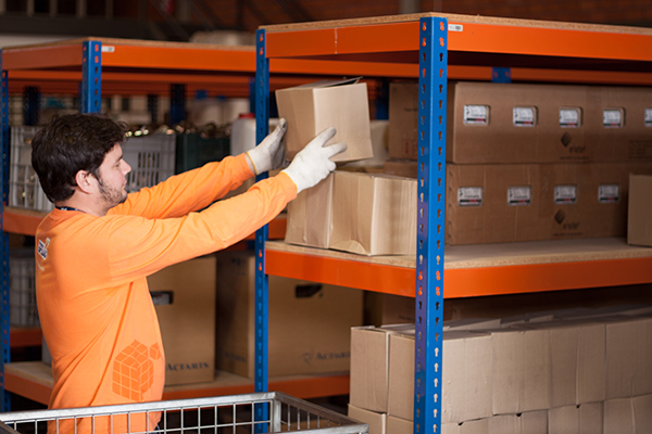Oportunidade: Centro logístico abre oportunidade de emprego para Estoquista