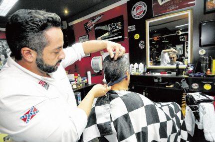 Vaga para barbeiro na Boca do Rio