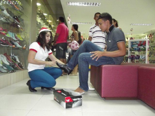 Vagas 2018: Loja de Calçados abre vaga para Vendedor em Shopping de Salvador