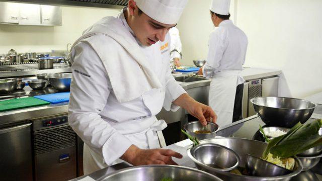 Vagas 2018: Empresa localizada em Simões Filho abre vaga para Chefe de Cozinha