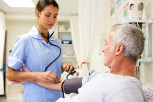 Seleção para técnicos de enfermagem e condutores/socorristas